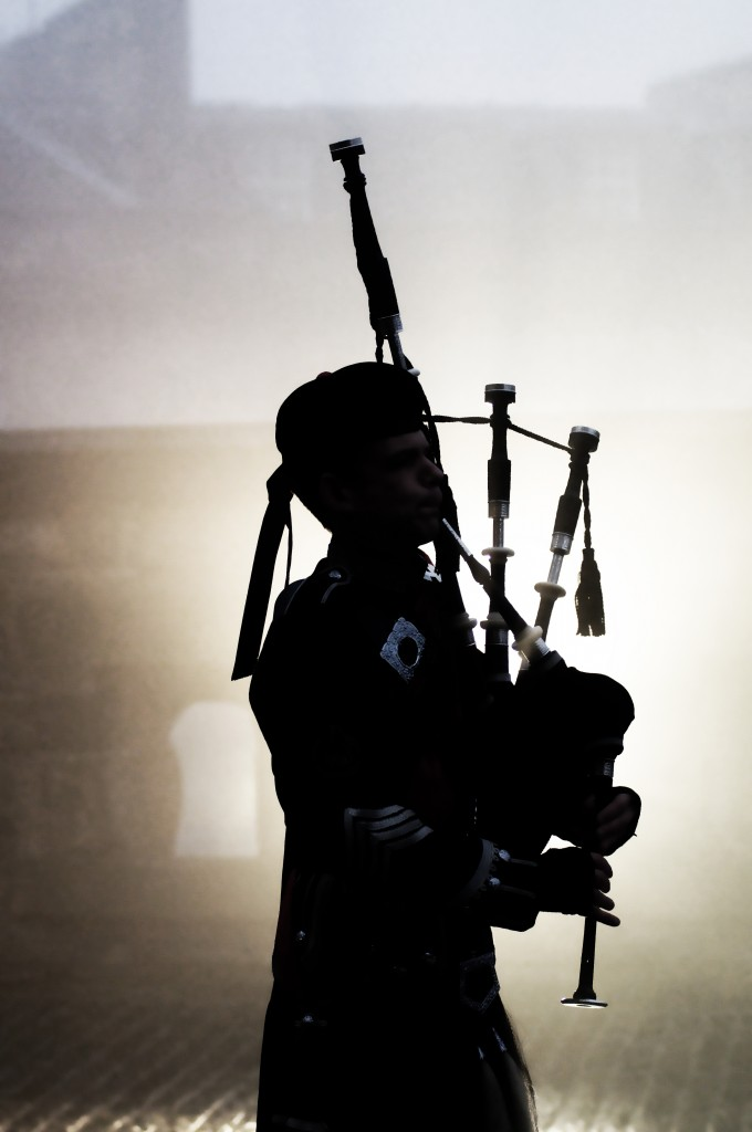 Hire professional Bagpiper Roddy the Piper - Background