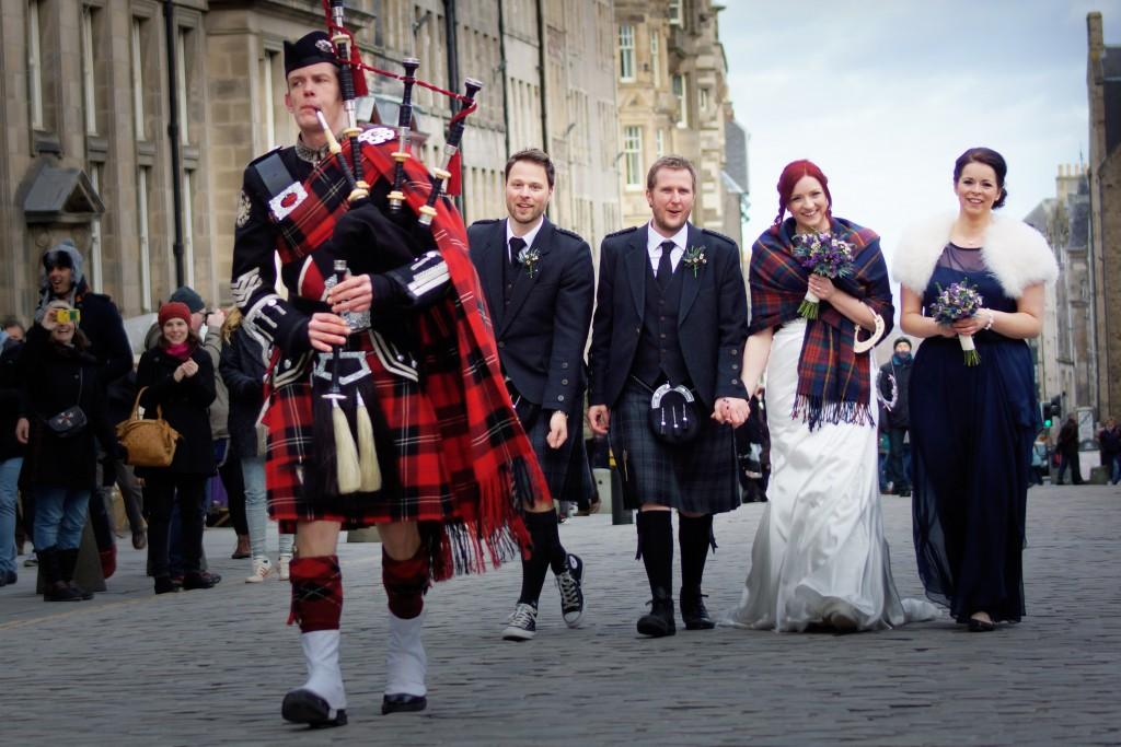 edinburgh wedding bagpiper